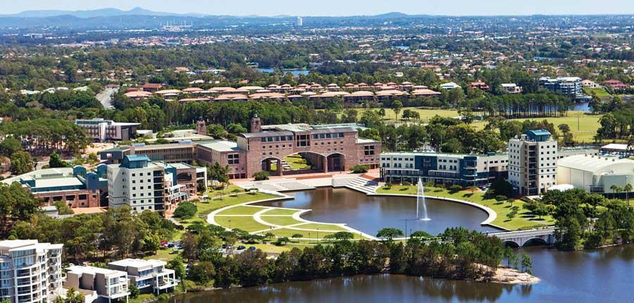 邦德大学 Bond University
